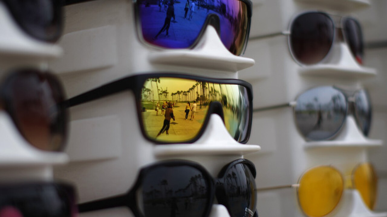 af35d247271 What you should know before buying sunglasses