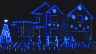 "Clarksville man creates ""Code Blue"" Christmas lights display"