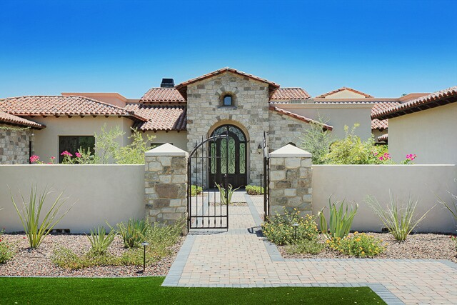 Pricey! Paradise Valley home on the market for $4,365,000