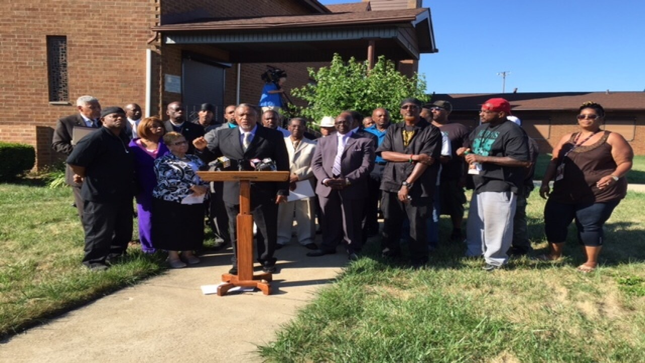 Prayer vigil held for kids killed in shootings