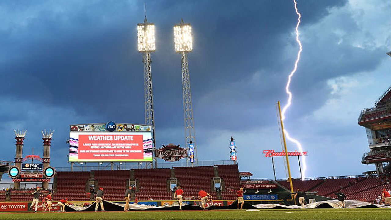Lightning_Reds_Great_American_Ball_park.jpg