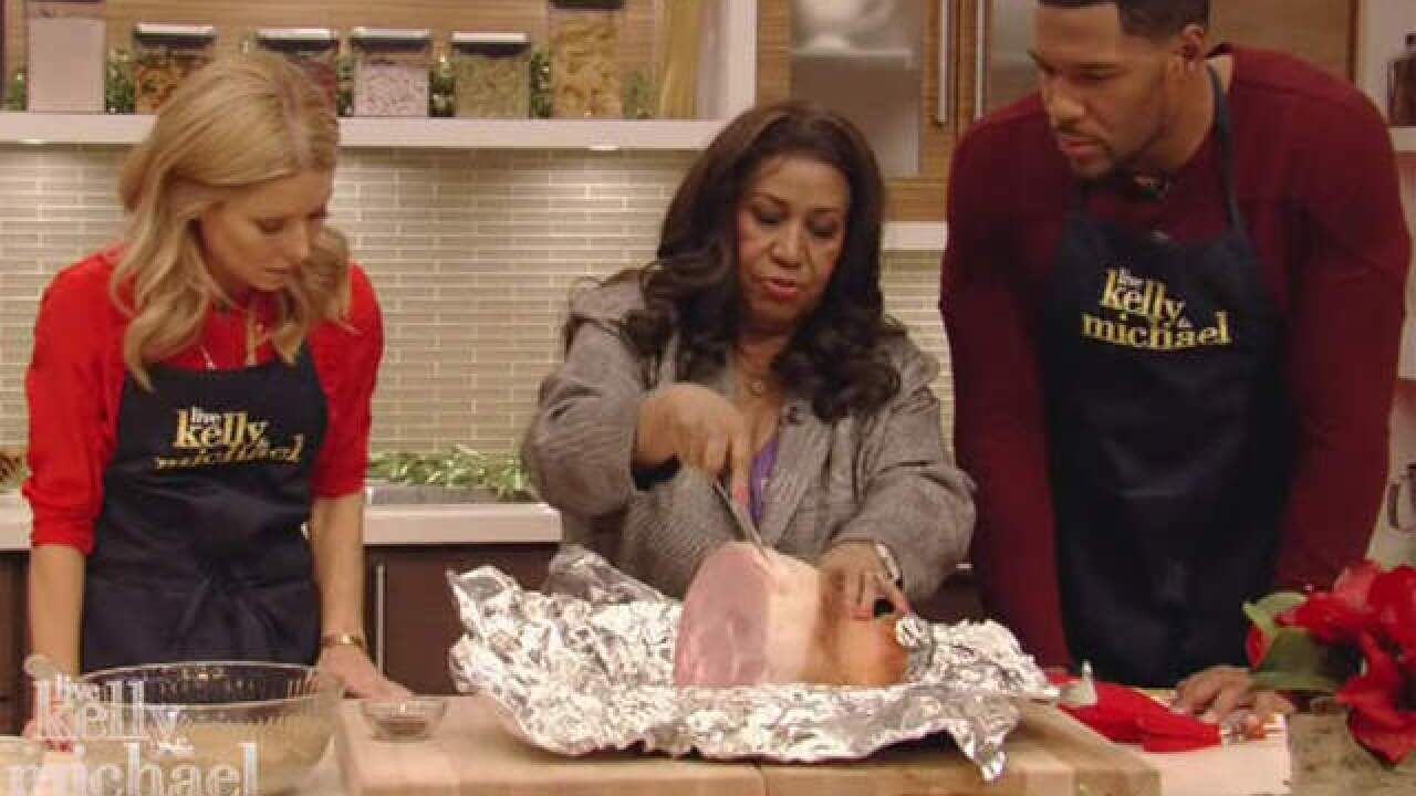 Aretha Franklin shares Christmas ham recipe with Vernors glaze on LIVE with Kelly and Michael