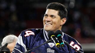 Former New England Patriot Tedy Bruschi suffers stroke, foundation says