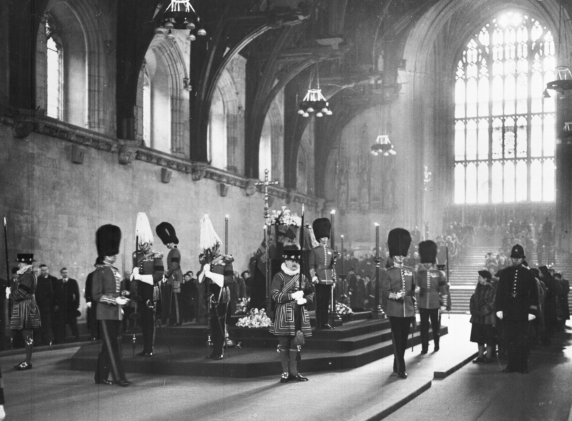 KING LYING IN STATE 1952