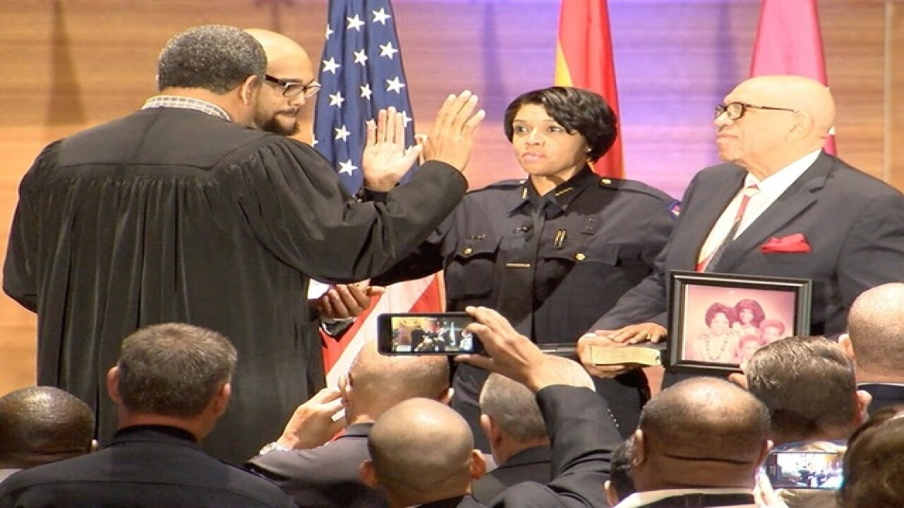 Phoenix swears in its first female police chief