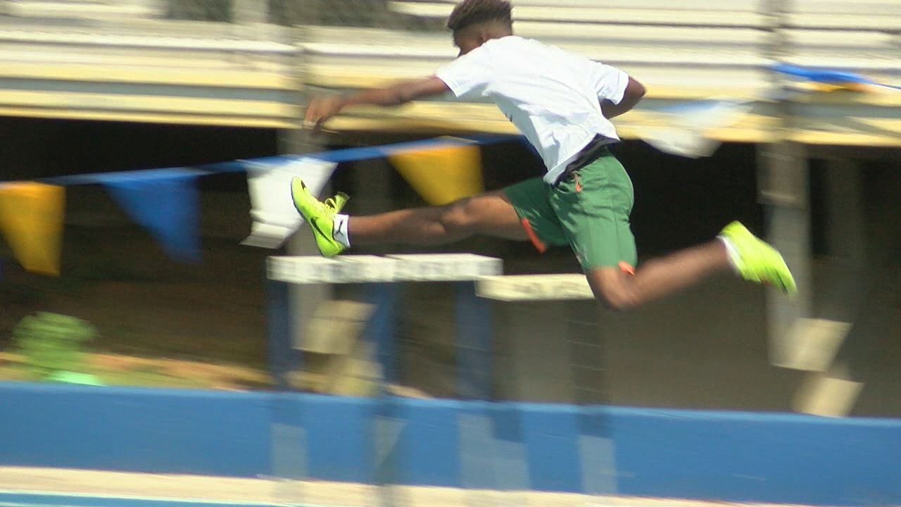 Rickards hurdler runs fastest time in the country