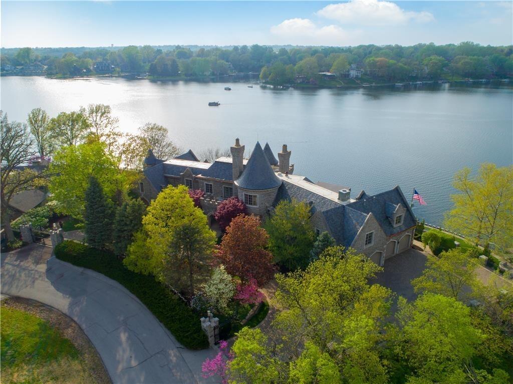 weatherby lake mansion 27