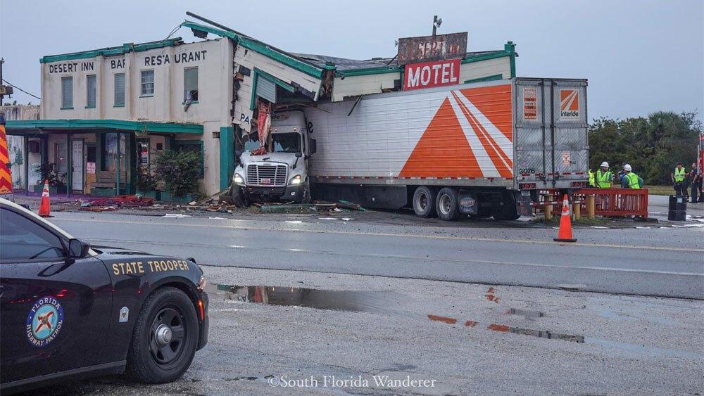 WPTV-Desert-Inn-crash-122219-08.jpg