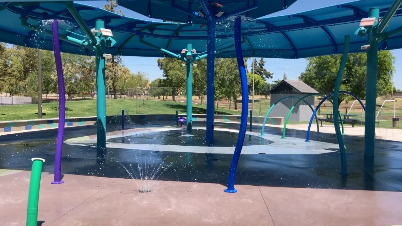 Summer in Arizona: 100+ splash pads and community pools to keep cool ...