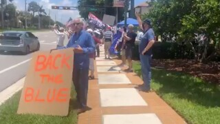 Rally to support police in Boca Raton