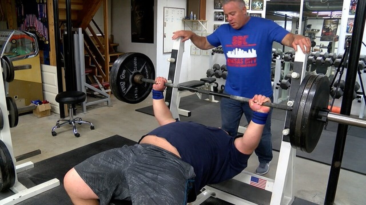 Kansas powerlifting duo breaks national records