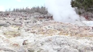 Witnesses to nature: 2 men keeping eyes on Yellowstone's Steamboat Geyser