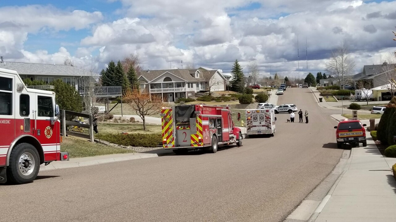 Pickup truck crashes into house in Great Falls