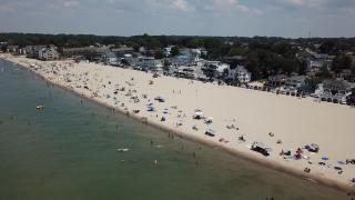 Moms warn of dangers along Lake Michigan, teach kids safe tactics