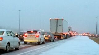 WCPO_forecast_snow_snowfall_traffic_snow_traffic_1483623198445_52631939_ver1.0_640_480.jpg