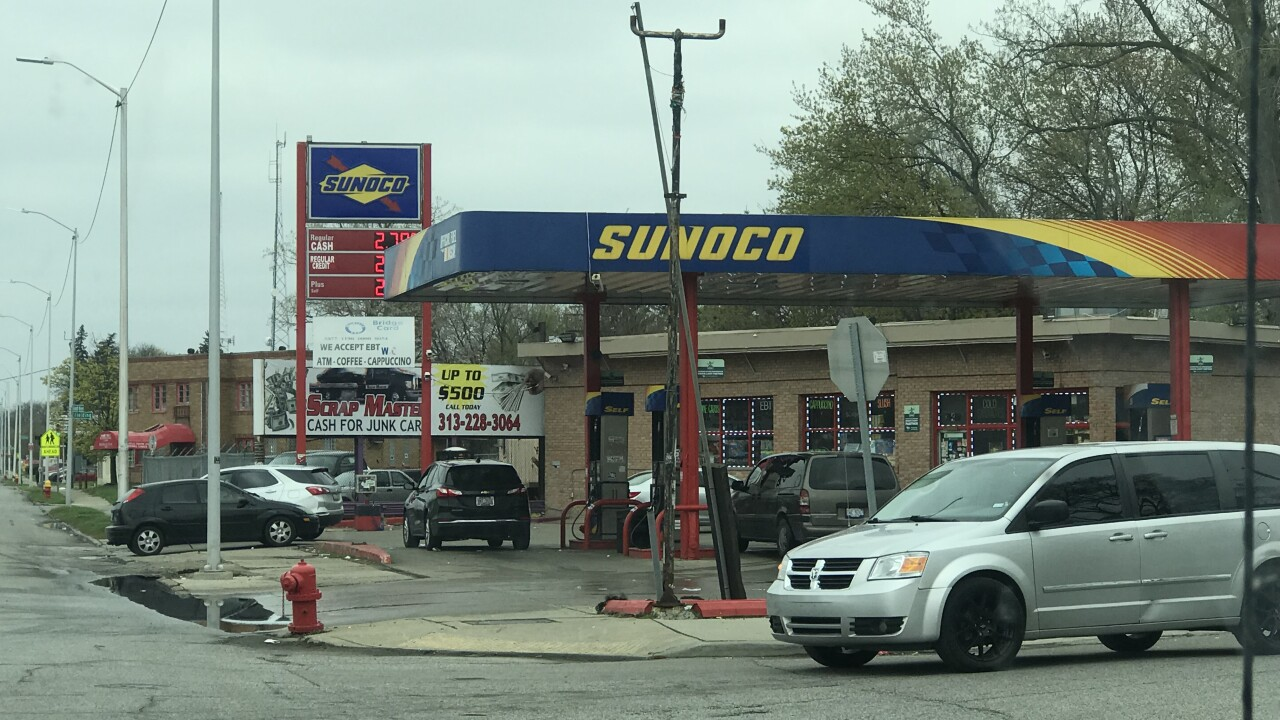 Sunoco Gas Station Near Me >> Woman points gun at mother, baby at Detroit gas station