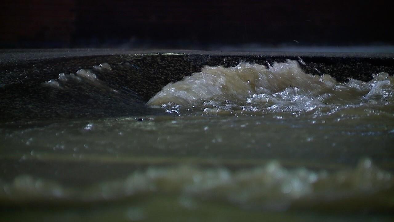 W140 Water main break 1.jpg