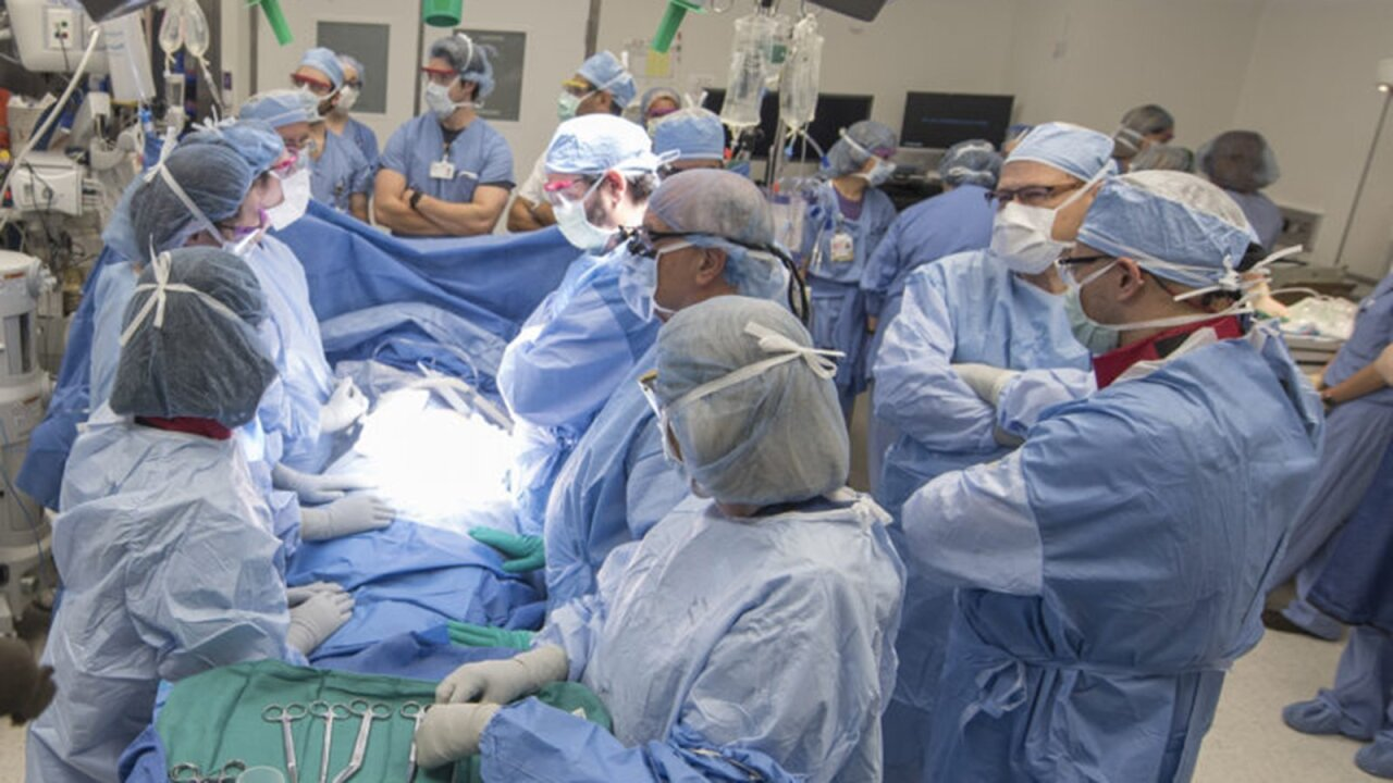 Baby born transplanted uterus surgery