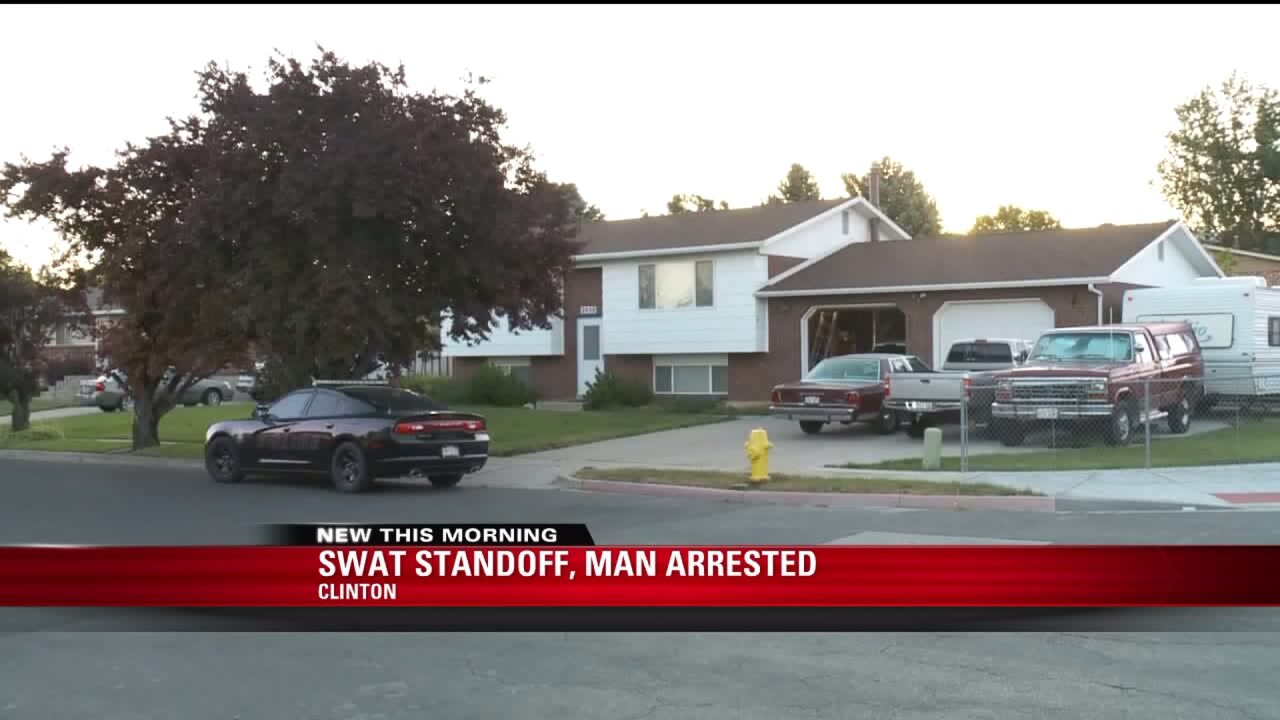 Clinton standoff ends with man in custody