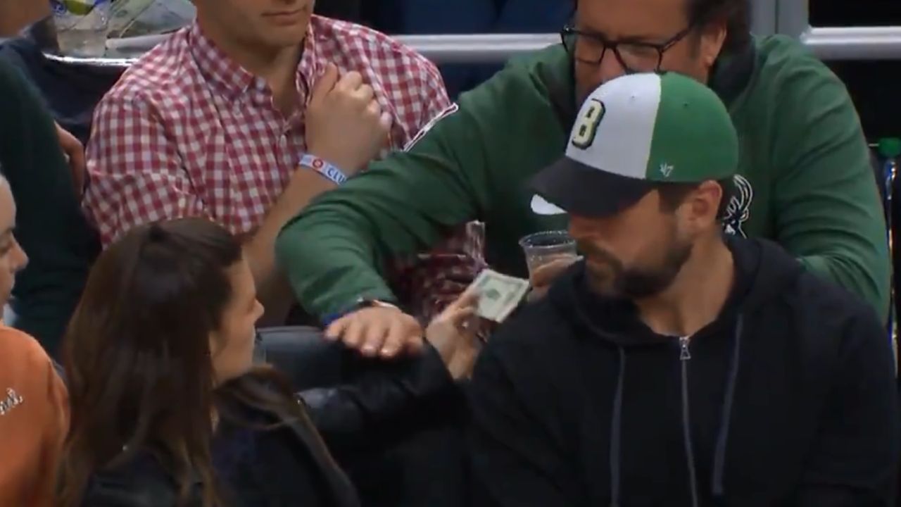 Man tries to buy Danica Patrick a drink during Game 5 [VIDEO]