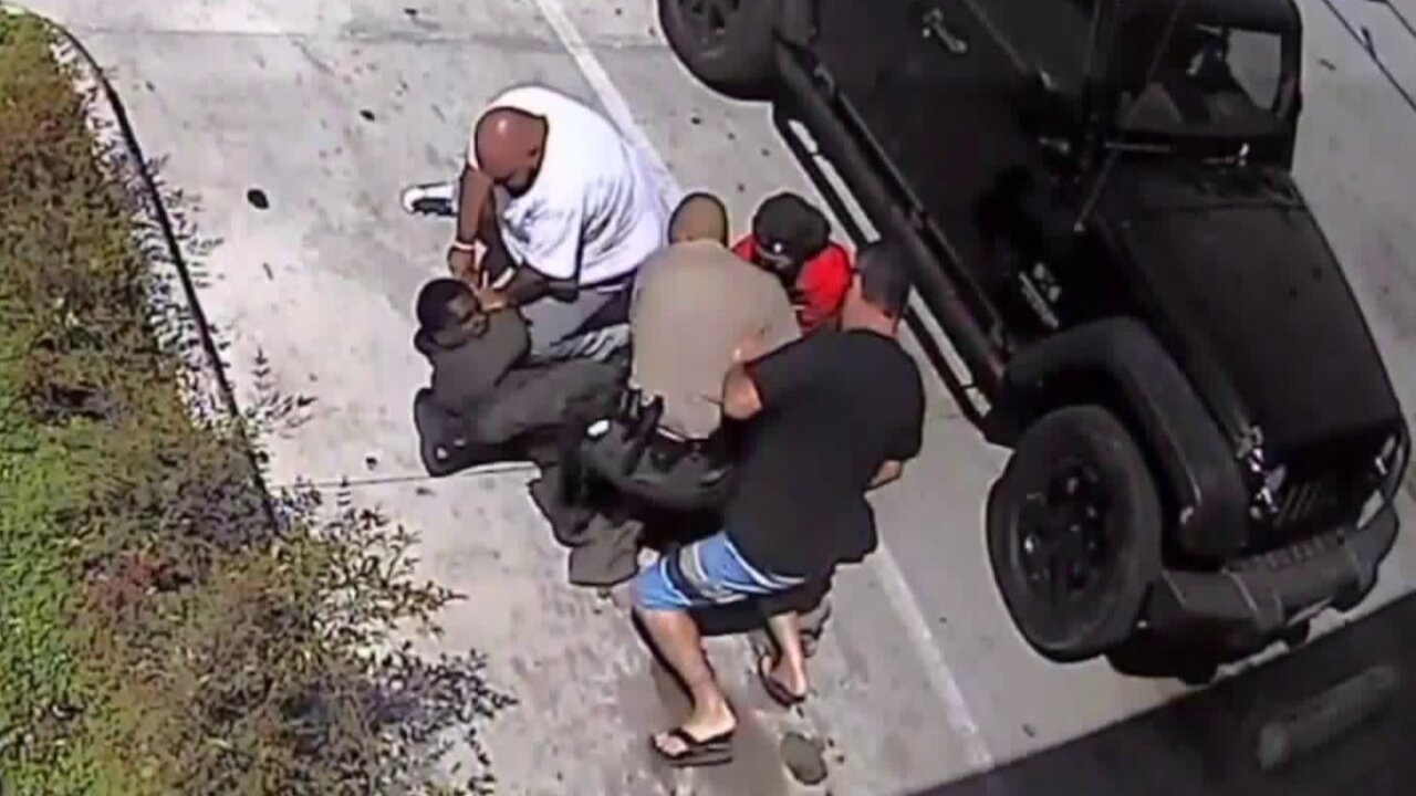 Good Samaritans come to deputy's aid as he struggles with suspect over gun