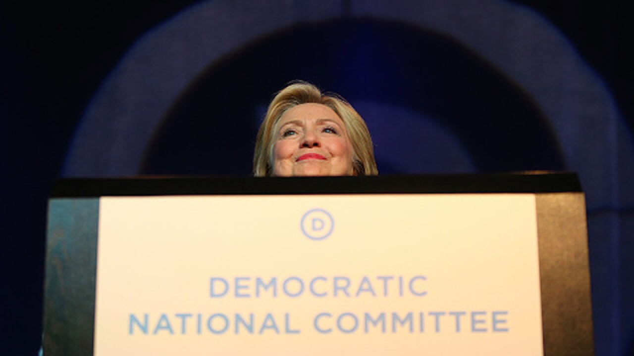 3 resign from Democratic National Committee as email fallout continues