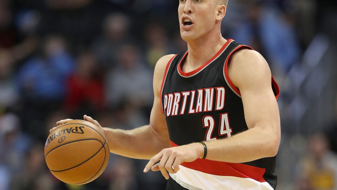Center Plumlee returning to Nuggets on 3-year, $41M deal