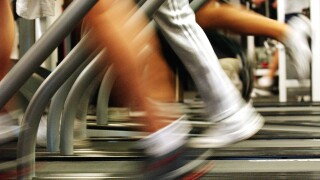 Exercising before breakfast burns more fat, study says