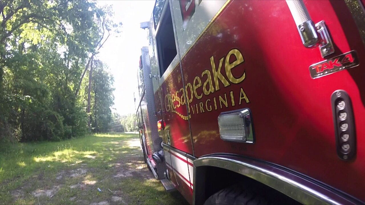 Fire crews respond to apartment fire in Chesapeake