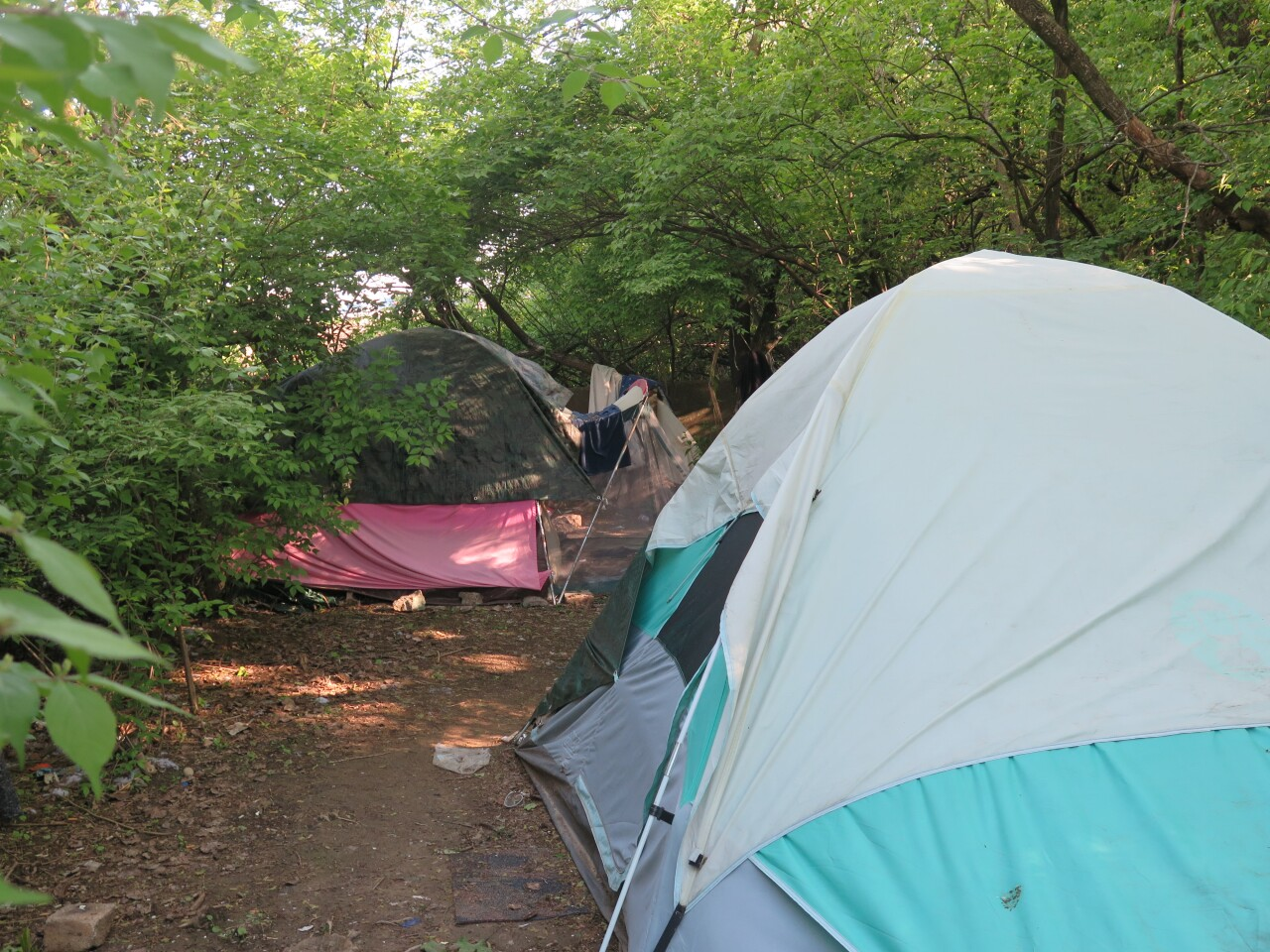 Tents_with_distance.JPG