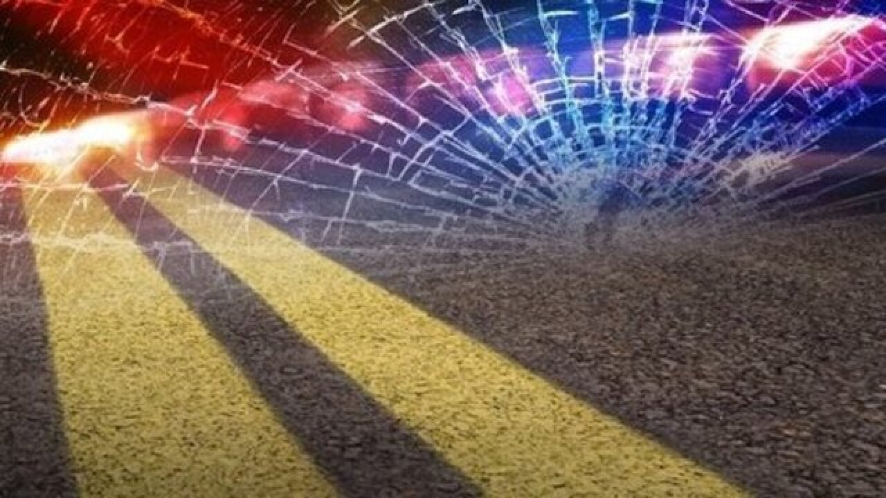 One woman killed in head-on crash in Shafter