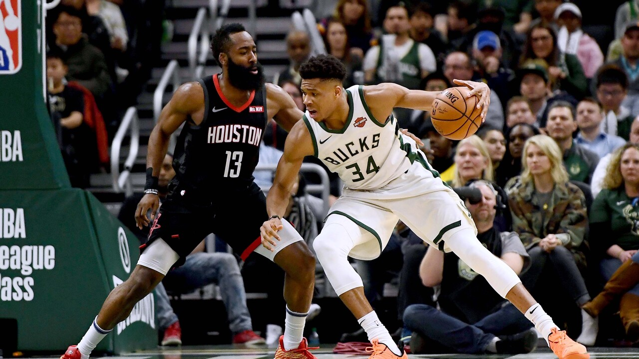 63e3e1bbba00 Giannis is favored to win MVP in 41 states according to Sports Insider
