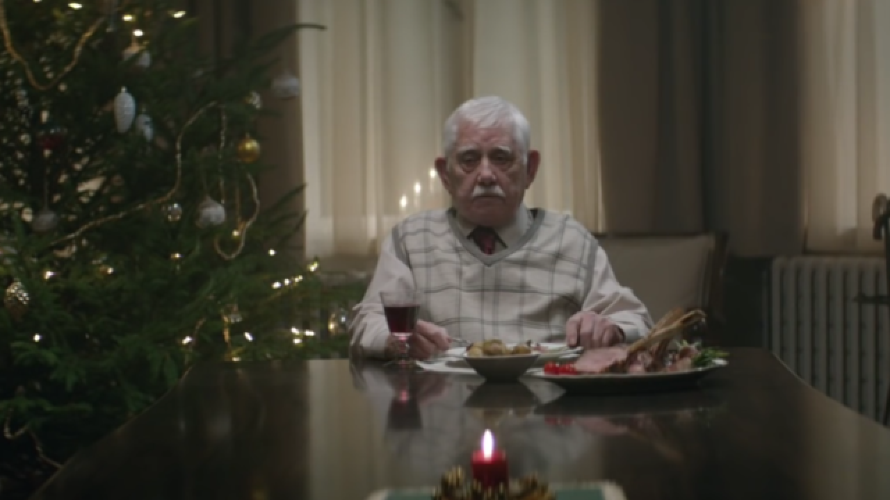 TV ad: Man fakes death to bring family together