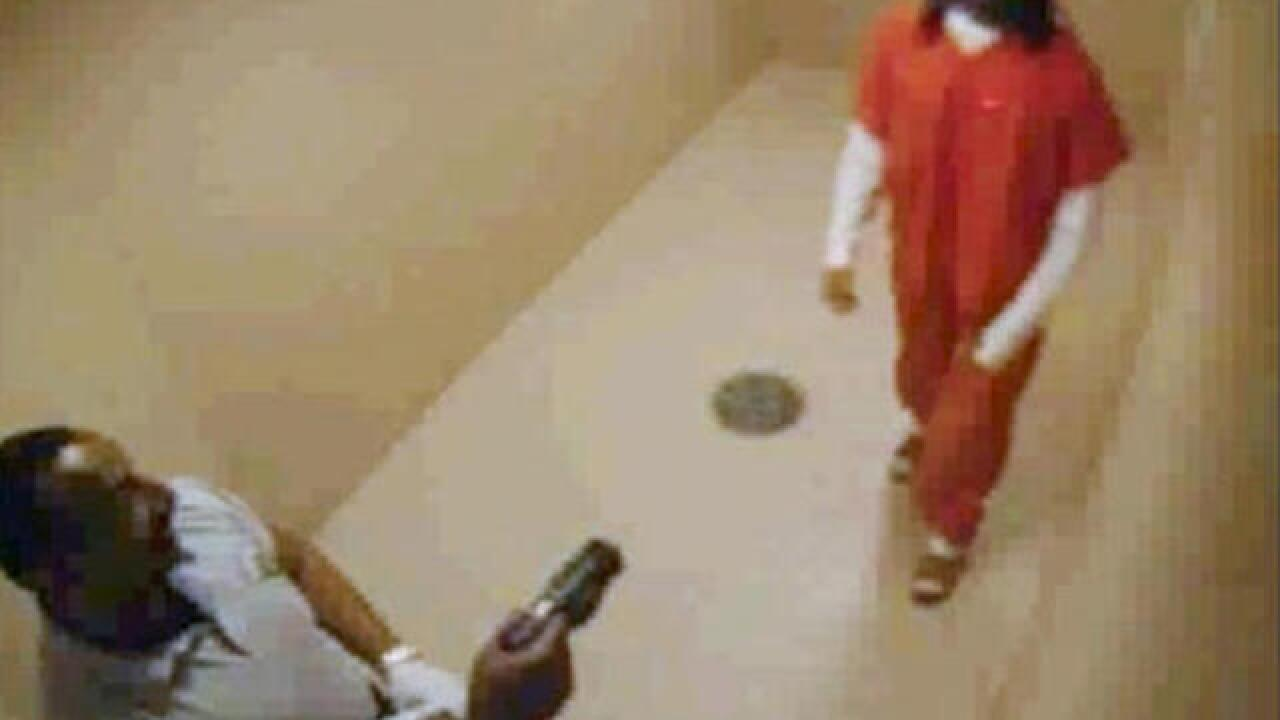Video: Inmate shocked with stun gun before death