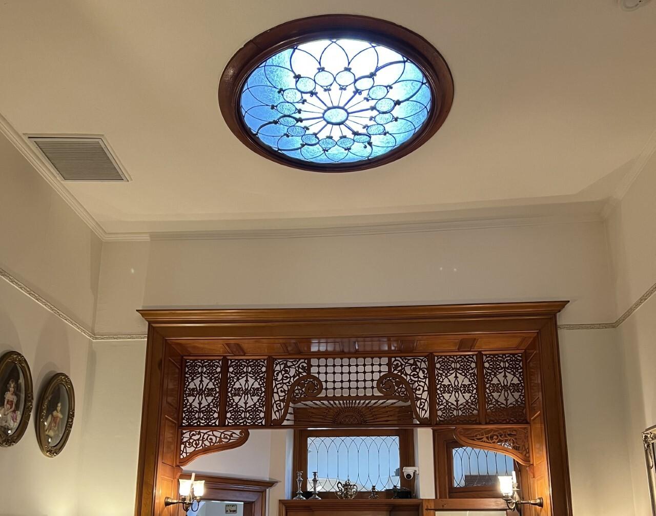 Blenman Inn leaded glass