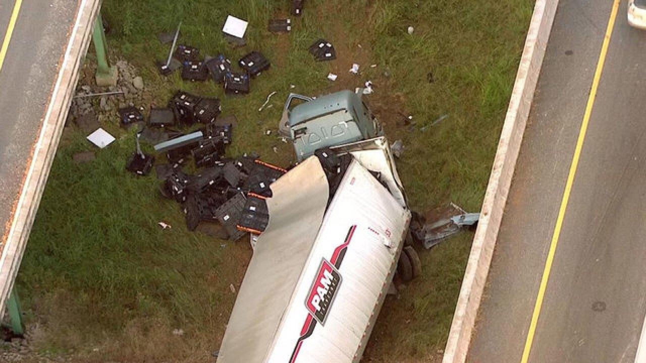 5 Hurt In Crash On I-40 In Cheatham County