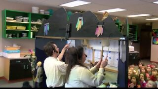 Arts & Education: Bat Honey entertains Missoula students