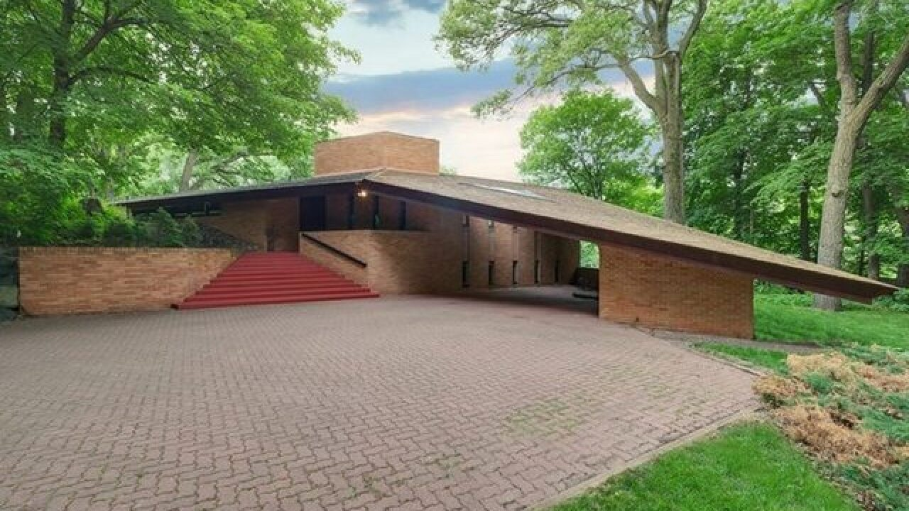 Lloyd Frank Wright Houses an original frank lloyd wright house is for sale in minnesota