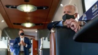 Biden embarks on campaign train tour through Ohio, Pennsylvania