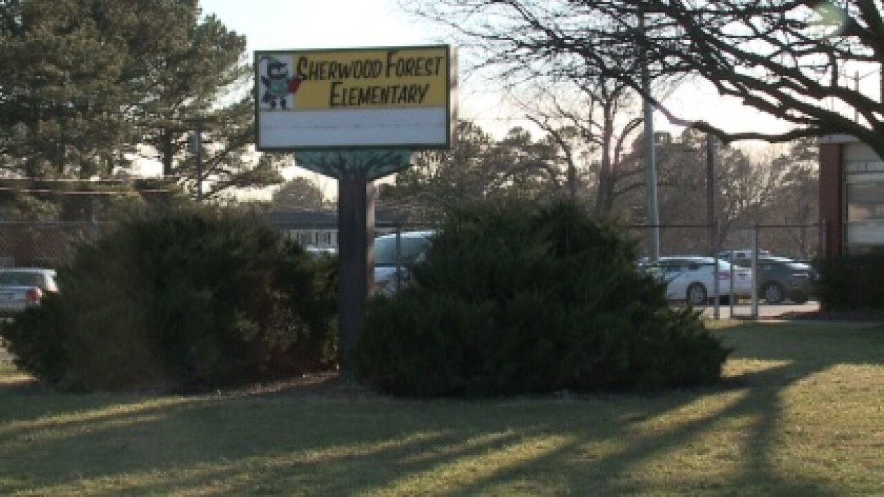 Parents question Sherwood Forest Elementary after school placed on lockdown during bomb threat