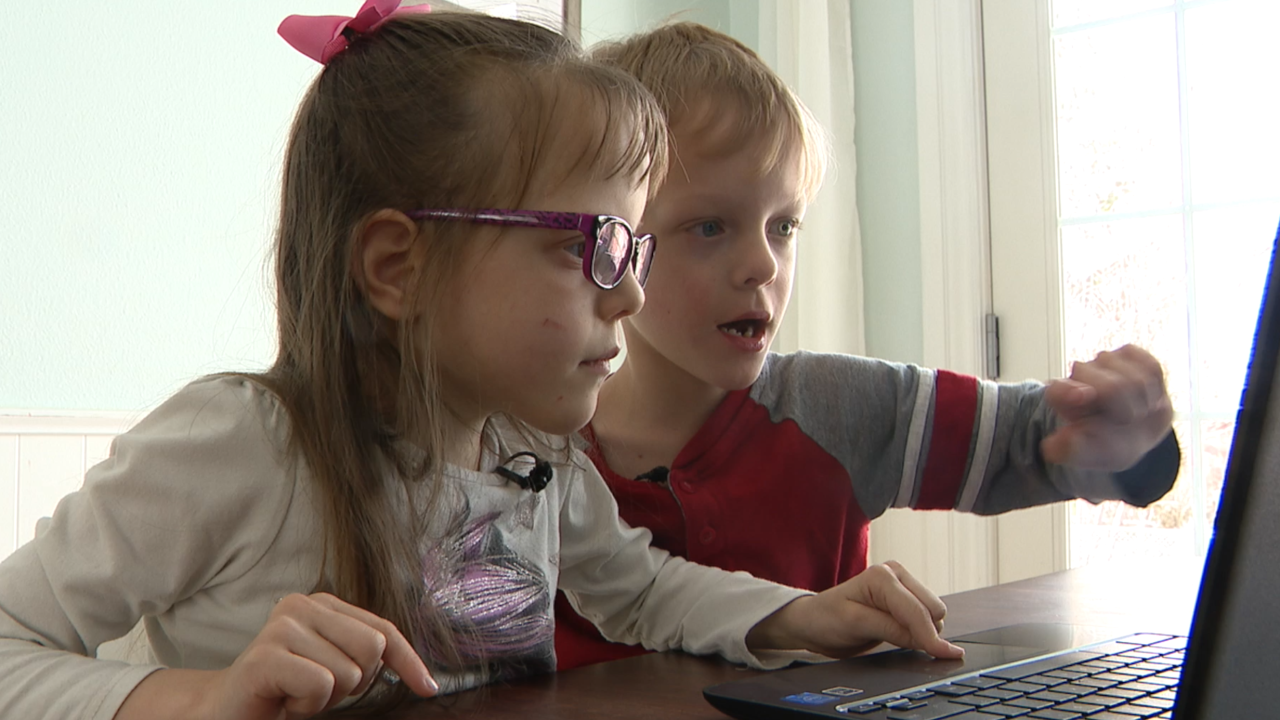 Experts raise concerns about online pre-k program as they become more popular
