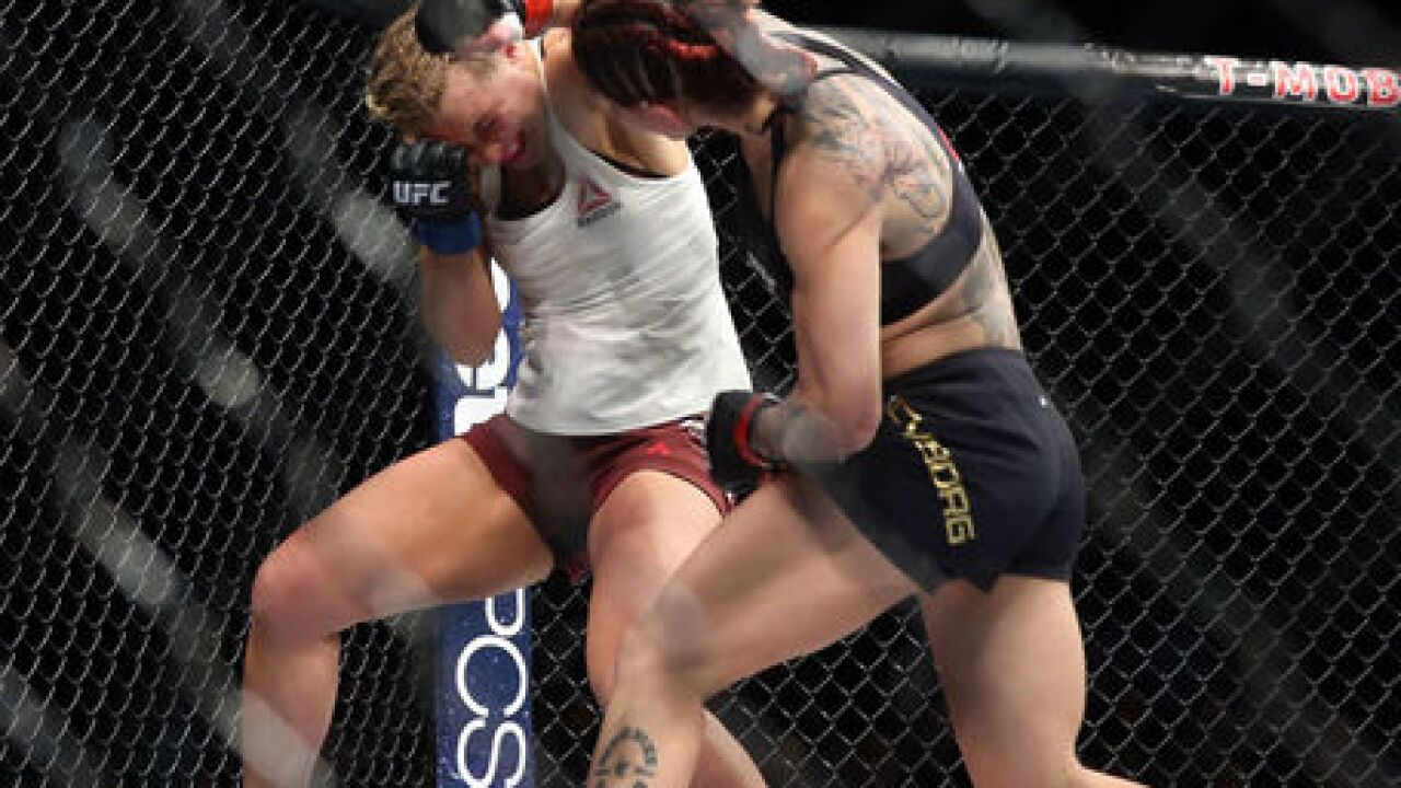 Cyborg, Rousey highlight huge week in Vegas
