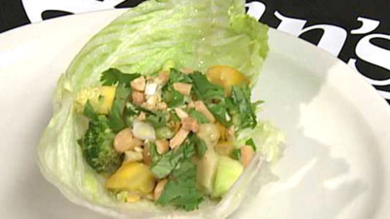 Curry Vegetables and Chickpeas Lettuce Wraps (08.14.12)