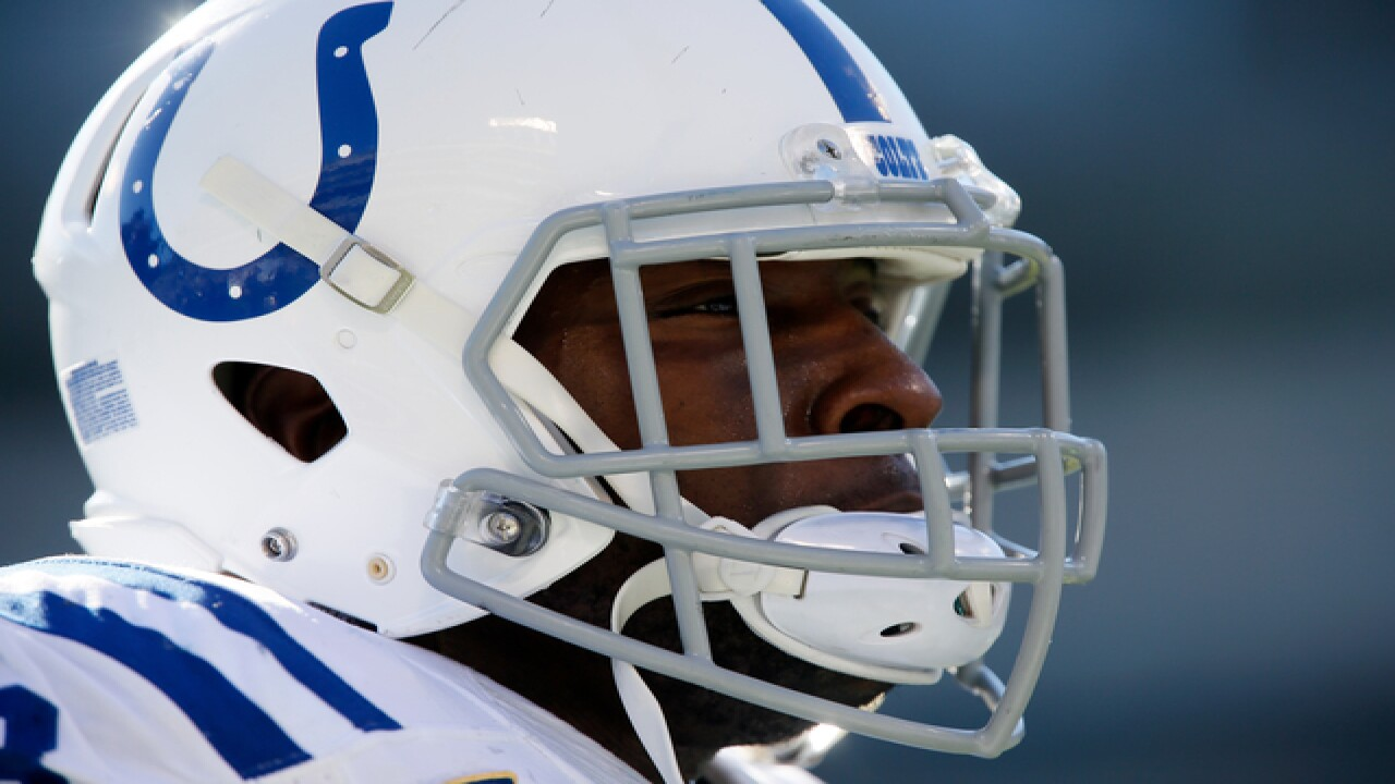PHOTOS: Colts v Raiders