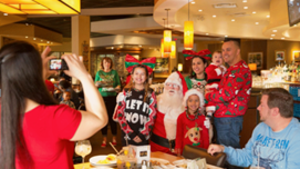 MacArthur Center to host Breakfast with Santa this holiday season