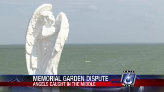 angel statues 0918.jpg