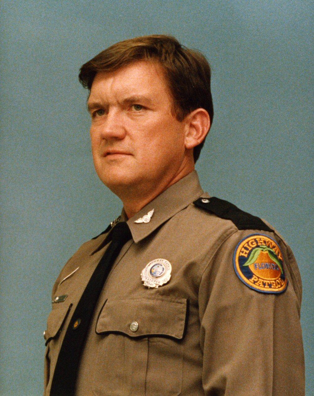 Trooper Lindell J. Gibbons Photo.jpg