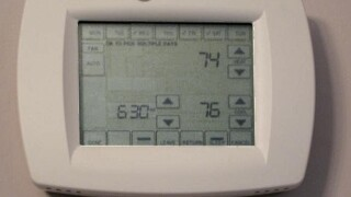 A_touch-screen_programmable_thermostat_1507653839600_68451100_ver1.0_640_480.jpg