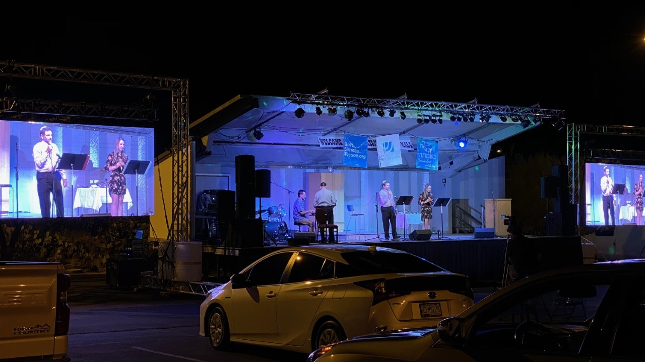 Southern Arizona congregation hosts the first drive-in Rosh Hashanah celebration in Jewish history