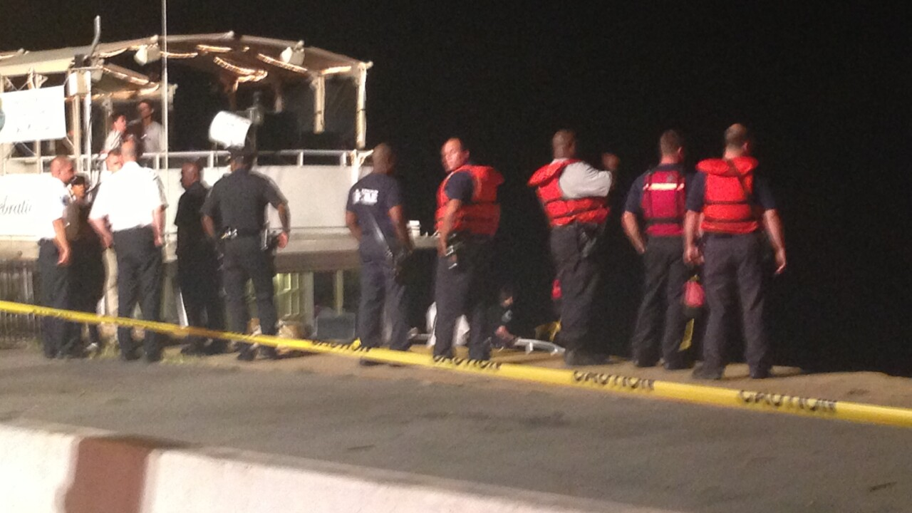 Crews find car in James River near Rockett's Landing